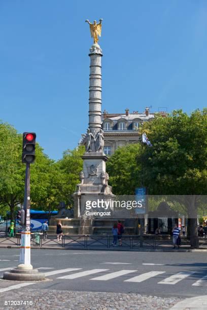 fontaine du palmier in paris - gwengoat foto e immagini stock