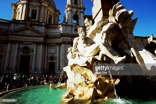 fontana dei quattro fiumi - xuan che stock pictures, royalty-free photos & images
