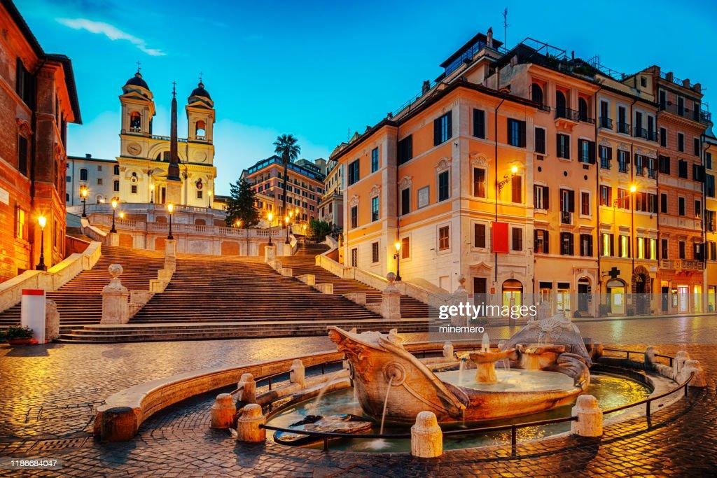 Fontana della Barcaccia in Piazza di Spagna with Spanish Steps : Stock Photo
