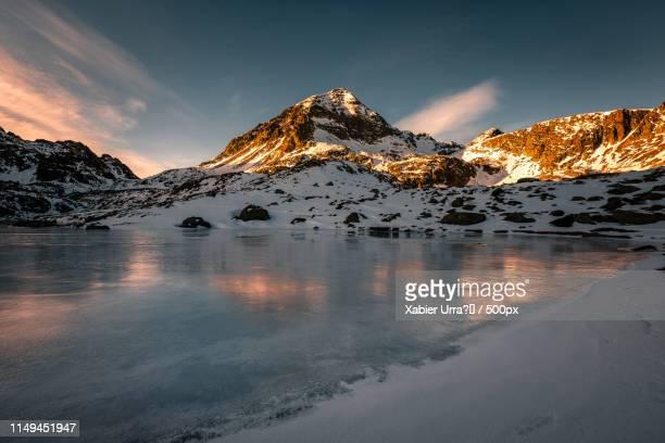 fontargent - pyreneeën stockfoto's en -beelden