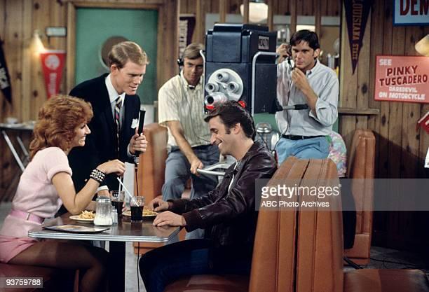 DAYS 'Fonzie Loves Pinky ' 9/28/76 Roz Kelly Ron Howard Henry Winkler Extras