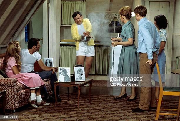 DAYS 'Fonzie Moves In' Season Three 7/18/75 Susan Lawrence Henry Winkler Tom Bosley Marion Ross Ron Howard Erin Moran