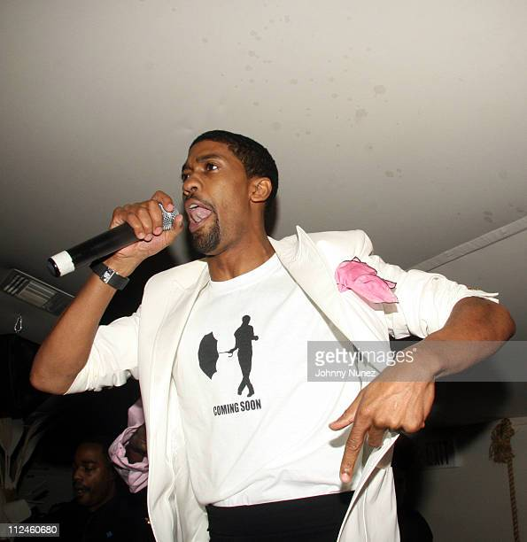 Fonzworth Bentley during Fonzworth Bentley Performs at Cains Southampton - May 29, 2006 at CAIN Southampton Club in Southampton, New York, United...