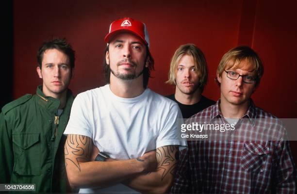 Foo Fighters, Chris Shiflett, Dave Grohl, Taylor Hawkins, Nate Mendel, Hallen Schaarbeek, Brussels, Belgium, 30th November 2002.