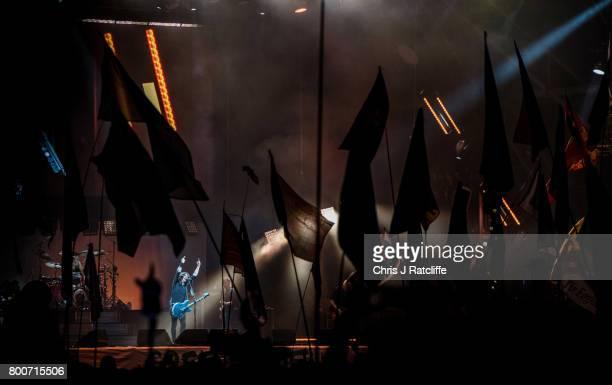 Foo Fighters headline the Pyramid stage at Glastonbury Festival Site on June 24 2017 in Glastonbury England Glastonbury Festival of Contemporary...