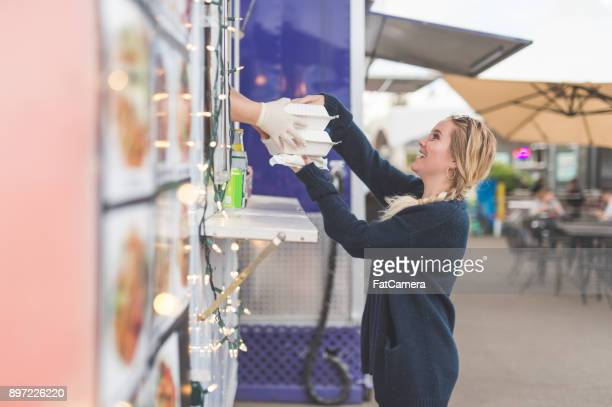 food cart customers - takeout stock pictures, royalty-free photos & images