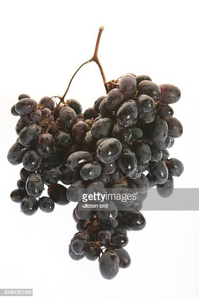 Food fruits A bunch of blue grapes