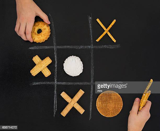 Food game ( Tic tac toe)