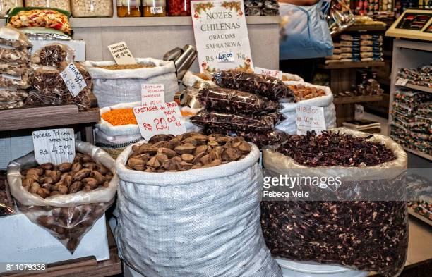 Food in bulk in the public market