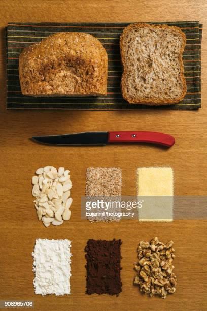 Food knolling, baking bread