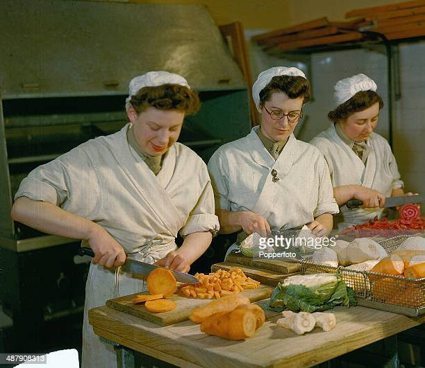 1943 Food made by the British Auxiliary Territorial Service preparing fresh vegetables for the troops January 1943