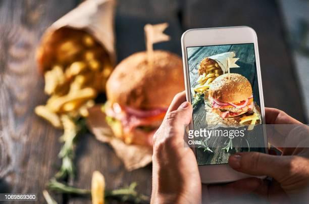 foto de comida para o blog pessoal - hamburguer - fotografias e filmes do acervo