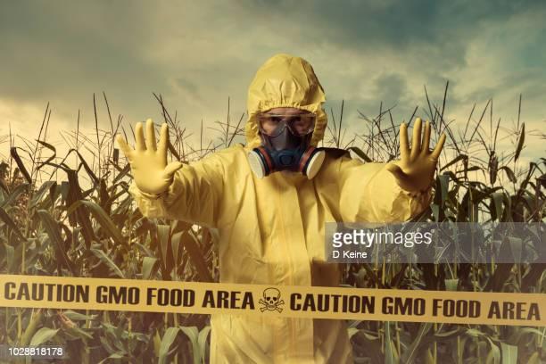 ggo-levensmiddelen - beschermende werkkleding stockfoto's en -beelden
