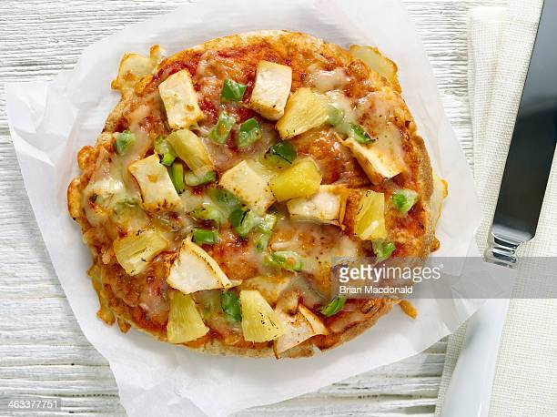 food - hawaiian pizza stock pictures, royalty-free photos & images