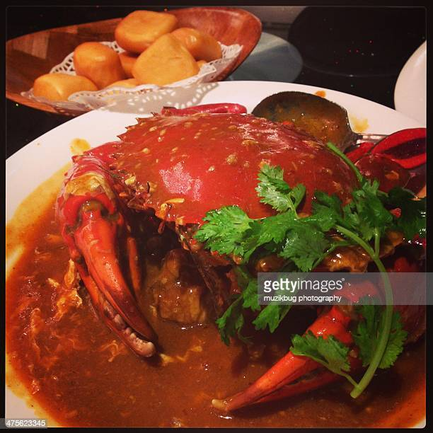 food porn - chilli crab stock photos and pictures