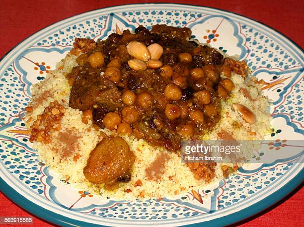 uae food selfies - couscous marocain photos et images de collection