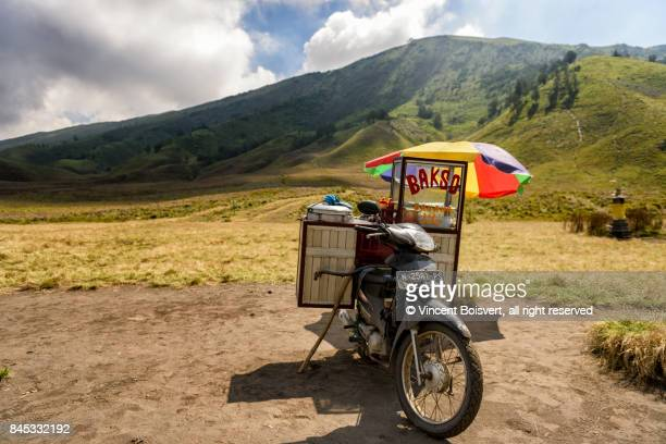 food stall waiting for tourist, mount bromo, java, indonesia - bromo crater stock pictures, royalty-free photos & images