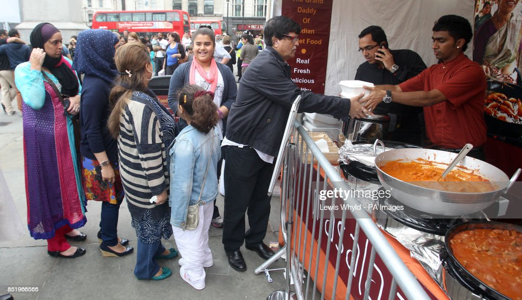 Download Idul Eid Al-Fitr Feast - food-stalls-in-trafalgar-square-in-london-to-celebrate-eidulfitr-of-picture-id851966566  Snapshot_61850 .com/photos/food-stalls-in-trafalgar-square-in-london-to-celebrate-eidulfitr-of-picture-id851966566