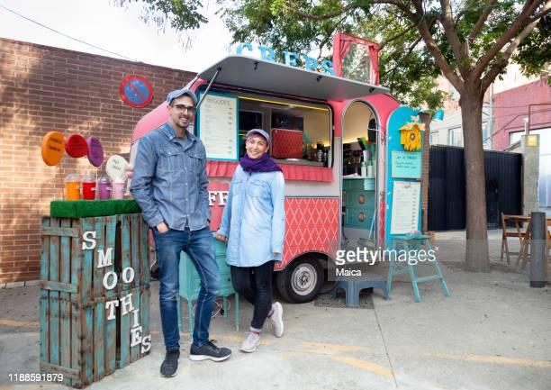 food truck pannenkoek - food truck stockfoto's en -beelden