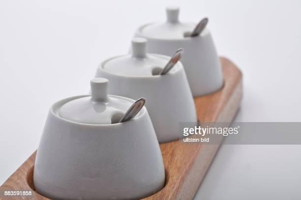 Foodmustard pots