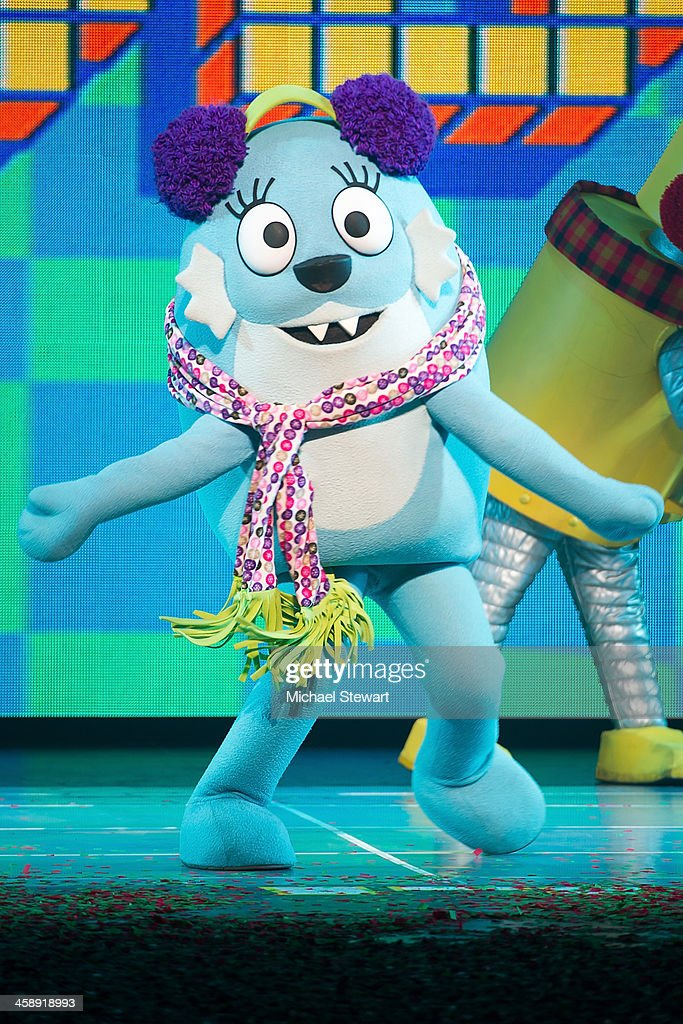 Foofa performs during 'Yo Gabba Gabba! Live!' at The Beacon Theatre on December 22, 2013 in New York City.