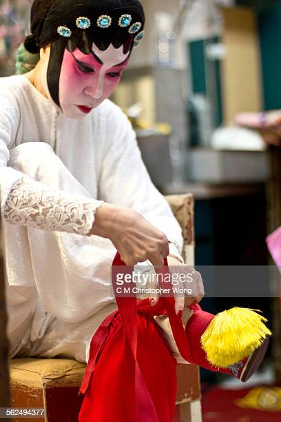 foot binding 3 - foot binding stock pictures, royalty-free photos & images