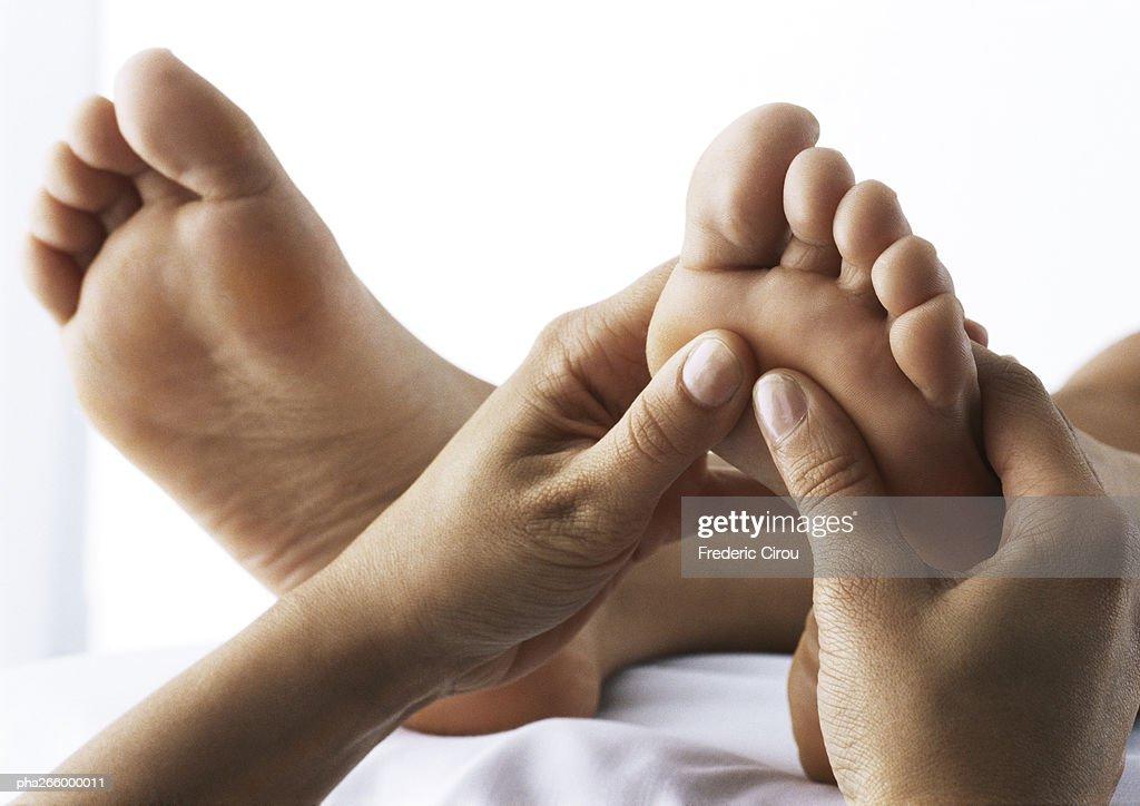 Foot massage, close-up : Stockfoto