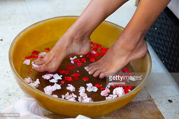 foot massage - pretty toes and feet stock photos and pictures