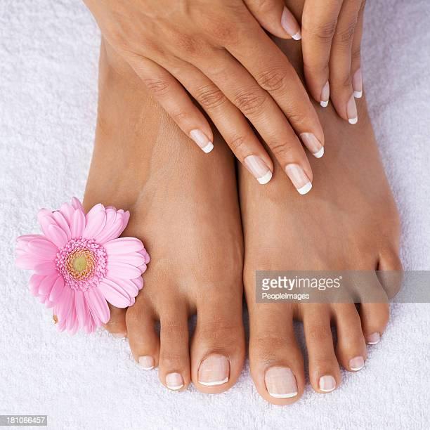 masaje de pies - maya desnuda fotografías e imágenes de stock
