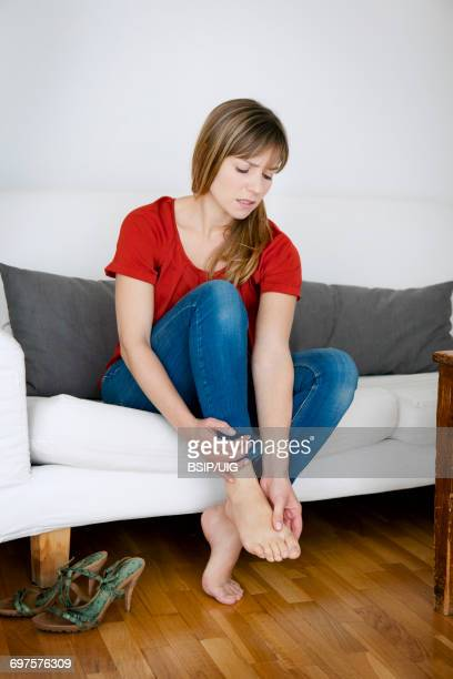 Foot pain woman