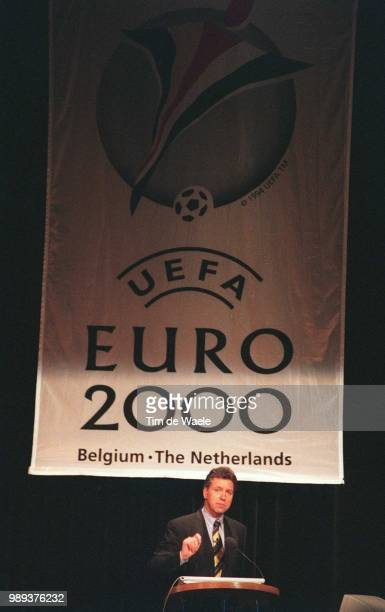 Foot Pc Cp Euro2000Courtois Alain Football Conferencepresse Euro 2000 Voetbal Persconferentie Iso Sport Pc Cp Im 334498Sport Sport Sport Sp