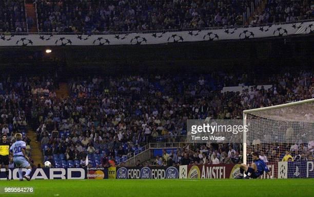 Foot RealMadrid Anderlecht DebildeGilles Misses Penalty Vs CasillasIker