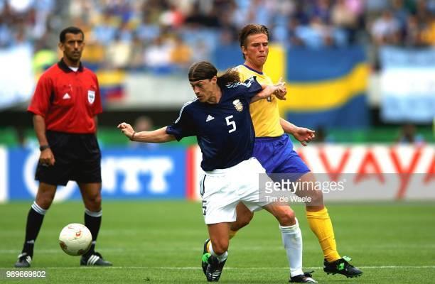 Sweden Argentina World Cup 2002 /Bujsaim Ali Almeyda Matias Svensson Anders Suede Zweden Argentine Argentinie Copyright Corbis