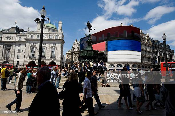 foot traffic in piccadilly circus, london. - piccadilly stock pictures, royalty-free photos & images
