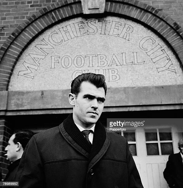 Football 15th April 1964 Maine Road Manchester England Manchester City v Manchester United Bert Trautmann's Benefit Match Manchester United's new...