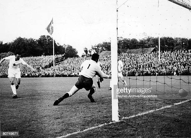 Football 15th June 1958 World Cup Finals Halsingborg Sweden Group 1 Czechoslovakia 6 v Argentina 1 Czechoslovakia's Hovorka scores his teams 6th goal