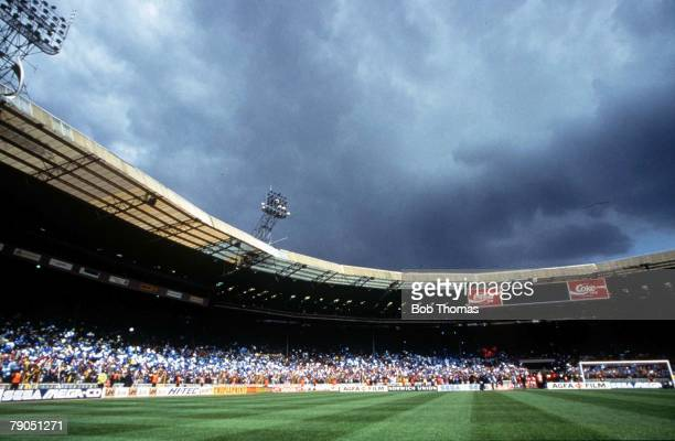 Football 15th May 1993 FA Cup Final Wembley Stadium London Arsenal 1 V Sheffield Wednesday 1 aet General view of Stadium showing dark clouds overhead