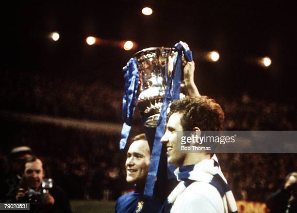 """Football, 1970 FA Cup Final Replay, Old Trafford, 29th April Chelsea 2 v Leeds United 1, Chelsea's captain Ron """"Chopper"""" Harris and Peter Osgood..."""