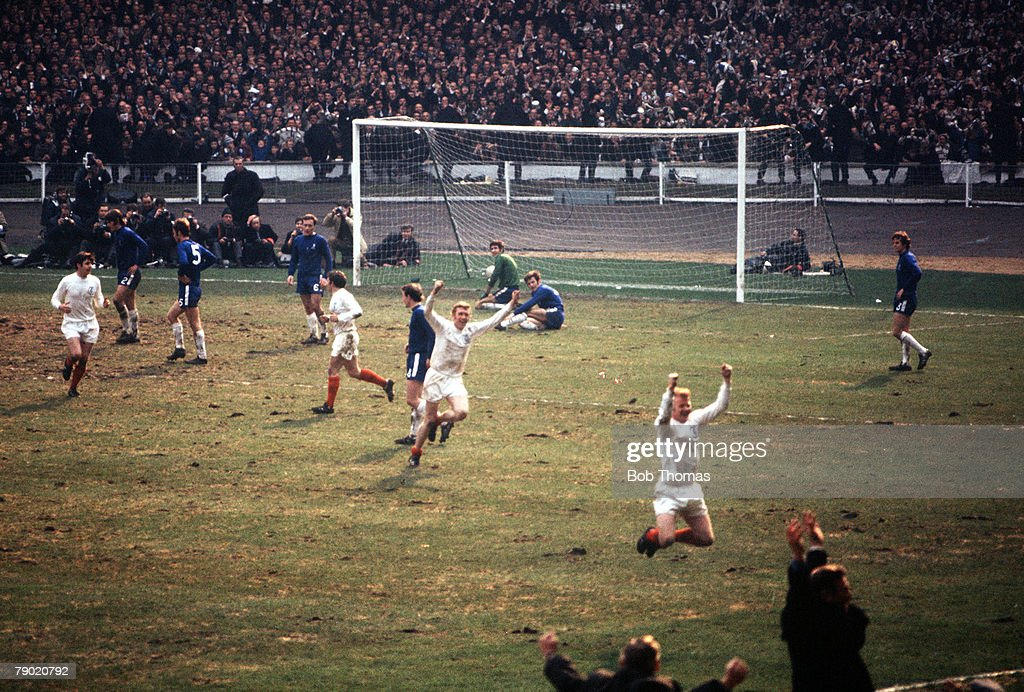 Football, 1970 FA Cup Final, Wembley Stadium, 11th April, 1970, Leeds United 2 v Chelsea 2, Leeds players celebrate after Mick Jones (2nd left) had scored a goal