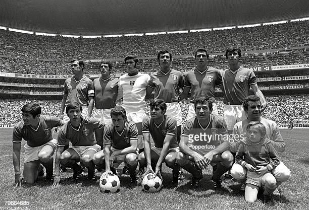 Football 1970 World Cup Azteca Stadium Mexico 31st May 1970 Mexico 0 v USSR 0 Mexico pose for a team group photograph before the start of the...