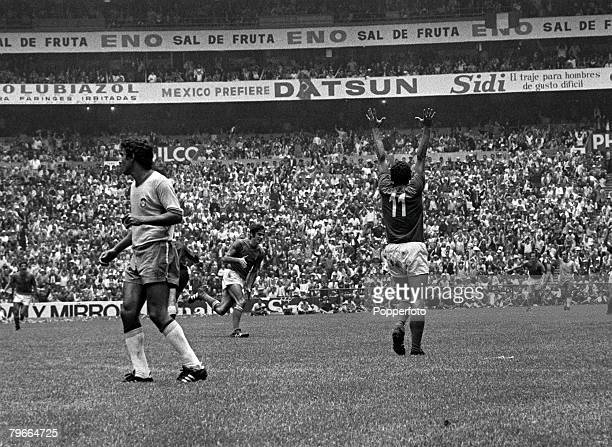 Football, 1970 World Cup Final, Azteca Stadium, Mexico, 21st June Brazil 4 v Italy 1, Italy+s Luigi Riva raises his arms in celebration after scoring...