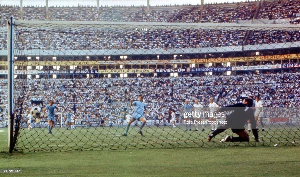 Football 1970 World Cup Finals. Guadalajara, Mexico. 11th June, 1970. Group 3. England 1 v Czechoslovakia 0. England's Allan Clarke strikes his penalty past Czechoslovakian goalkeeper Ivo Viktor to give his side a 1-0 lead in the match. : News Photo