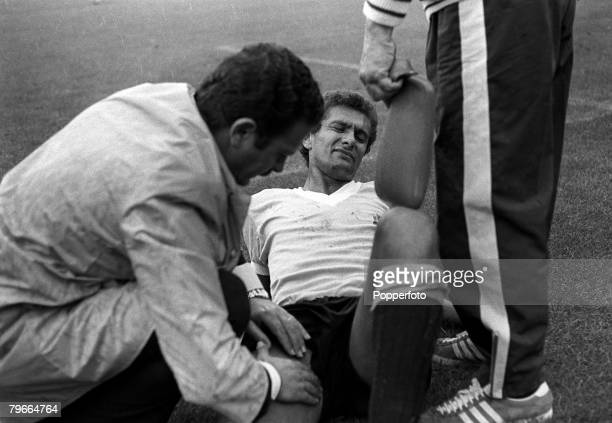 Football 1970 World Cup Puebla Mexico 2nd June Uruguay 2 v Israel 0 Uruguays Rocha receives treatment from the trainer after being injured during the...