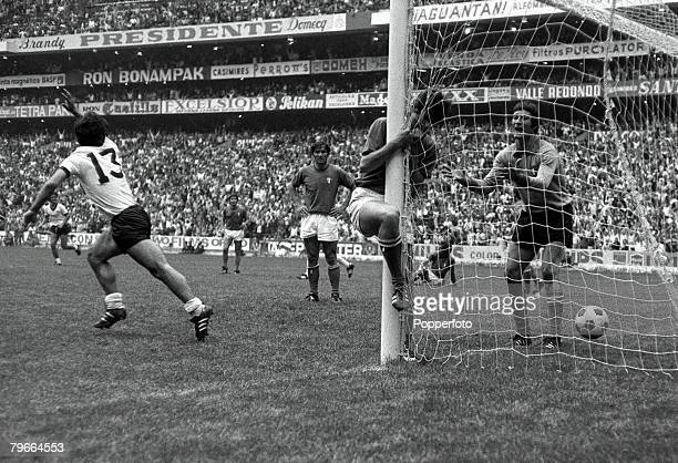 Football 1970 World Cup Semi Final Azteca Stadium Mexico 17th June 1970 Italy 4 v West Germany 3 West Germanys Gerd Muller races away to celebrate...