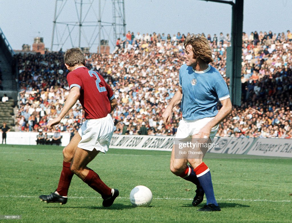 Football, 1970's, Manchester City's Rodney Marsh on the ball during the match with Burnley