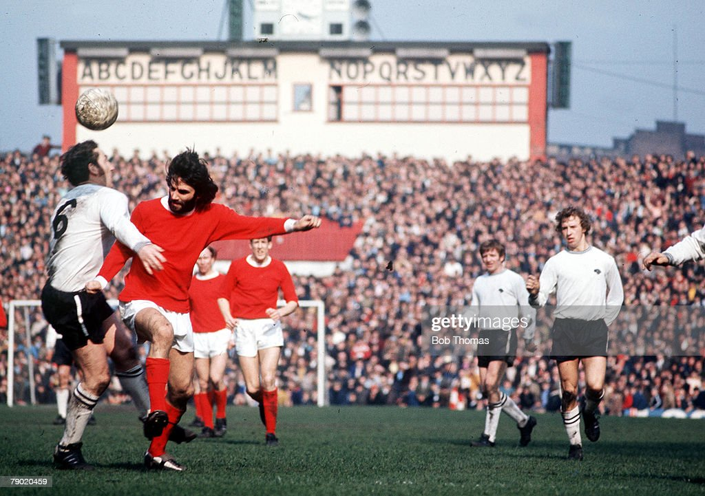 Football, 1970's, Manchester United's George Best battles for the ball with Derby County's Dave Mackay