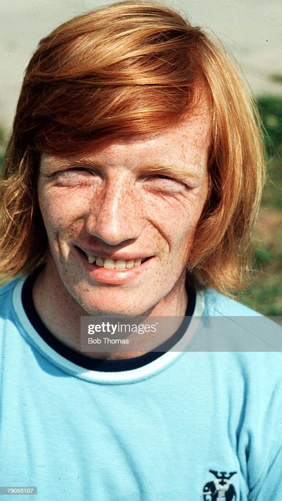 Football. 1971-2 Season. A pre-season photo call picture of Coventry City+s Willie Carr. : News Photo