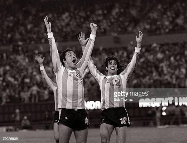 Football 1978 World Cup Final Buenos Aires Argentina 25th June Argentina 3 v Holland 1 Argentinas Daniel Bertoni celebrates after scoring his sides...