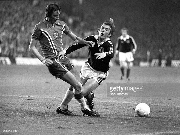 Football 1978 World Cup Qualifier Anfield England 12th October 1977 Wales 0 v Scotland 2 Wales' Rod Thomas moves in to challenge Scotland's Kenny...