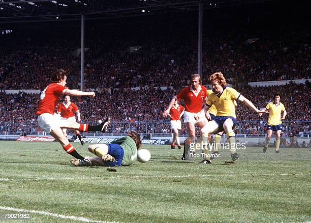 Football 1979 FA Cup Final Wembley Arsenal 3 v Manchester United 2 12th May Manchester Uniteds Sammy McIlroy scores his sides second goal past...